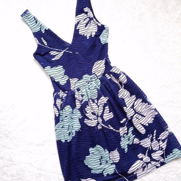 1510630dfe9 Saks Fifth Avenue Dresses